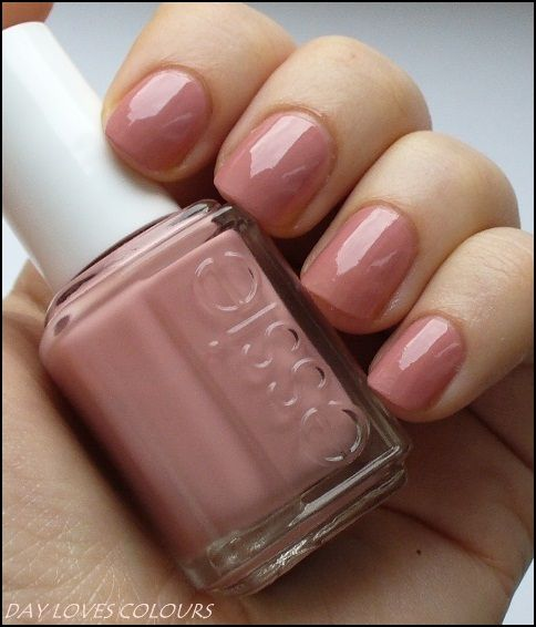 nail color essie eternal optimist