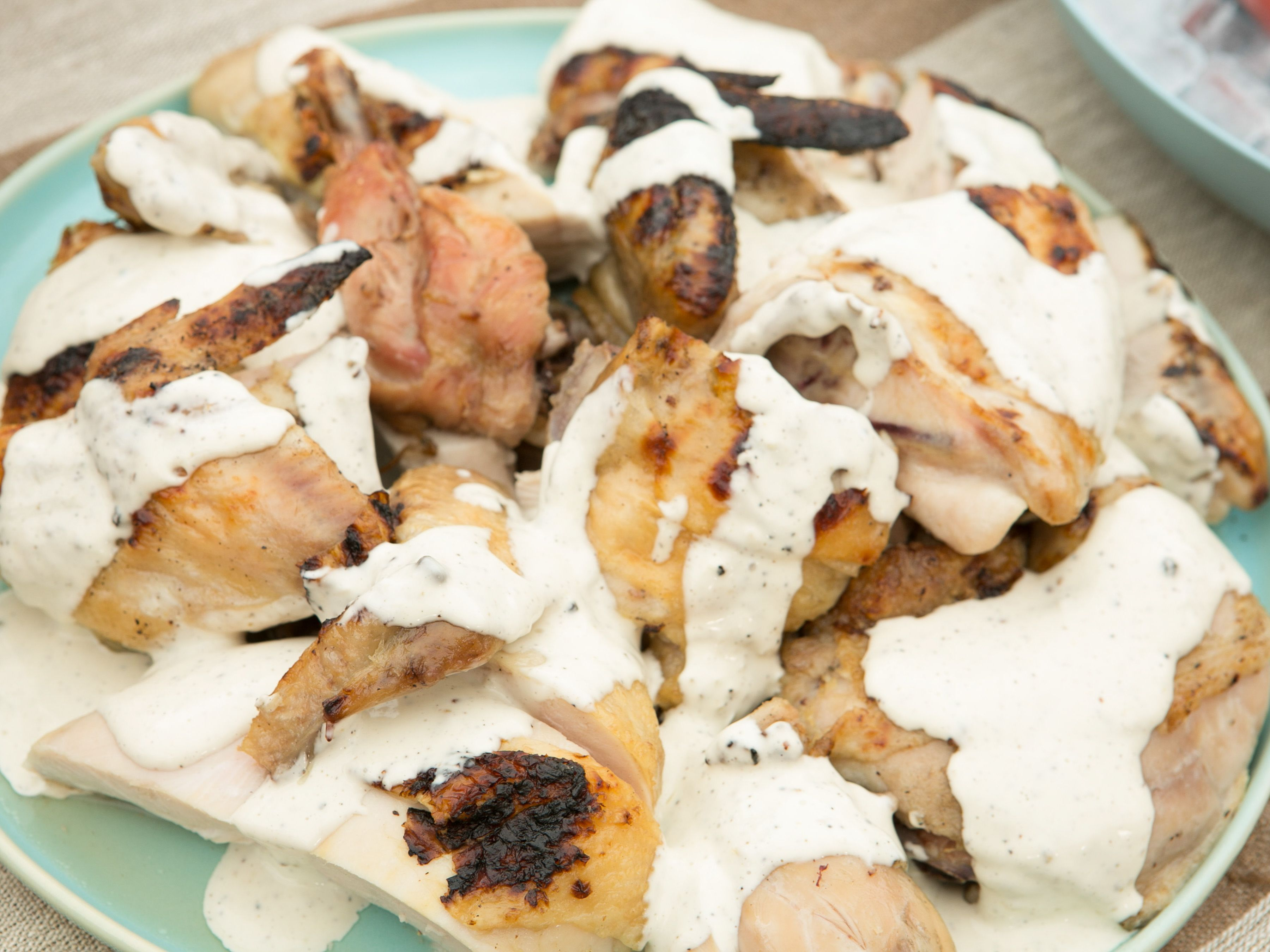 grilled chicken with alabama white bbq sauce rezept chicken cluck cluck yum yum. Black Bedroom Furniture Sets. Home Design Ideas