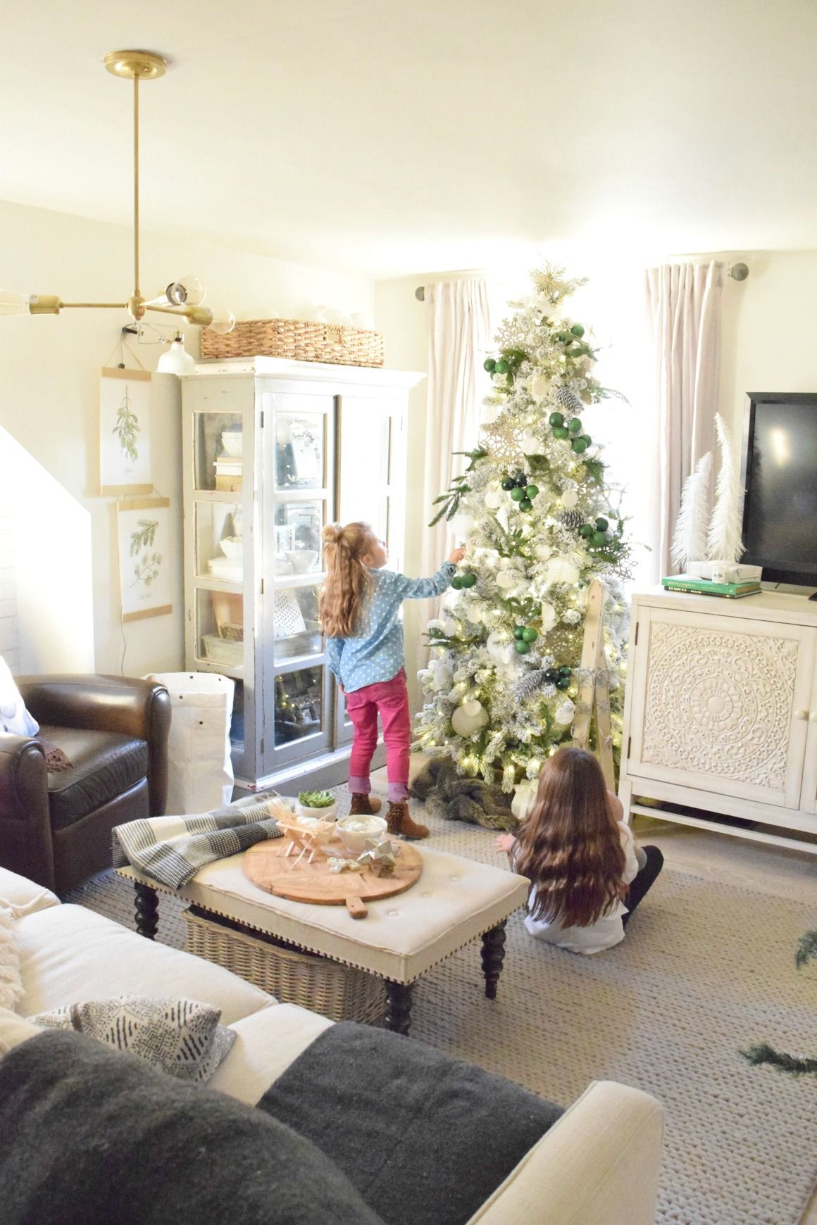 Christmas Home Tour- Part II | Small spaces, Spaces and Holidays
