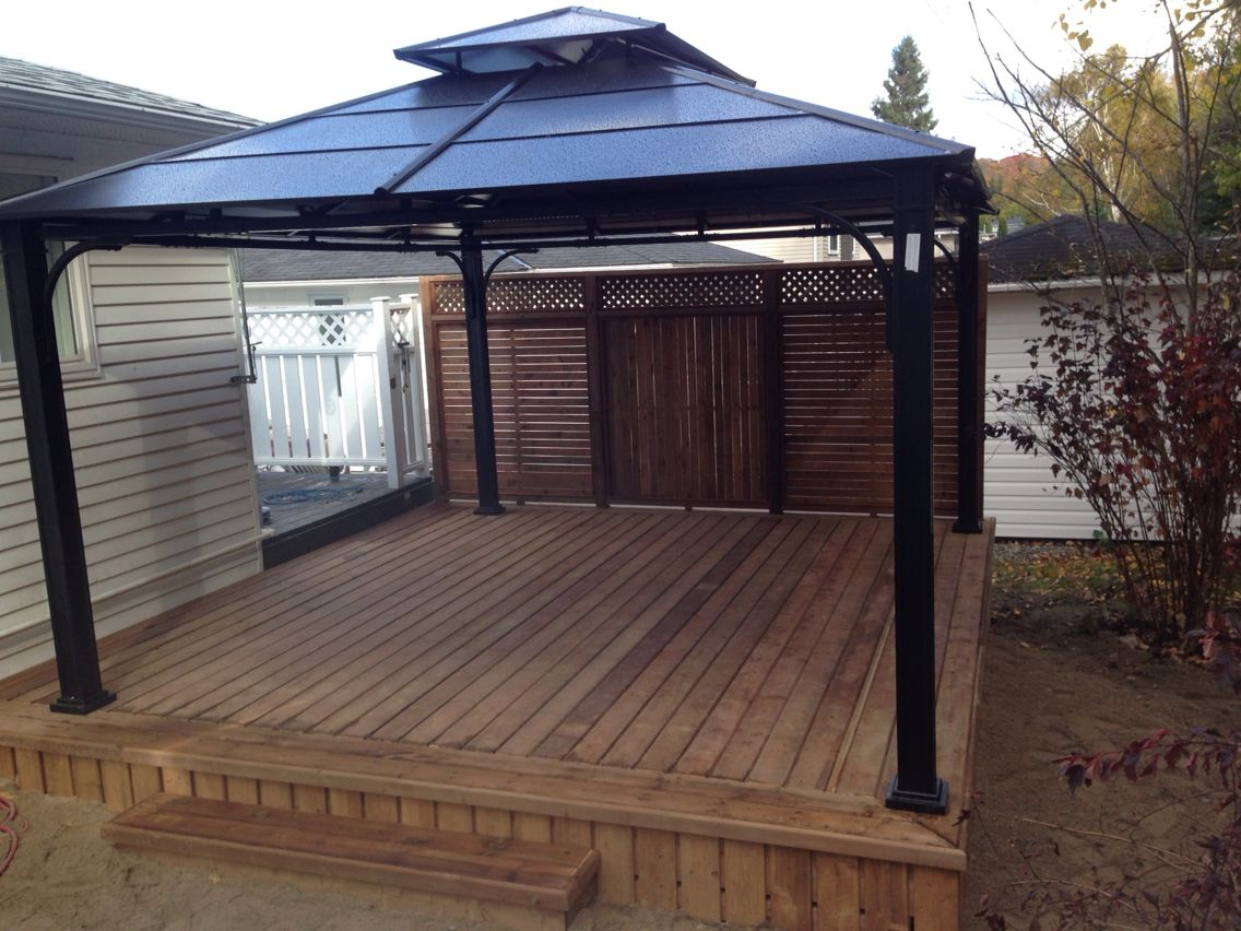 Beautiful Deck With Privacy Fence And Aluminum Gazebo Aluminum Gazebo Bungalow Exterior Gazebo