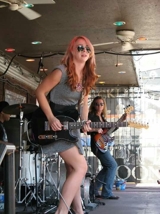 Beautiful Girl With Guitar Wallpaper Blues Artist Samantha Fish Film Music Amp Books That I