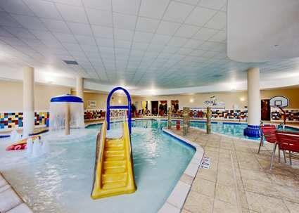 Mini indoor water park at the hampton inn suites for Hotels in dallas with indoor pools