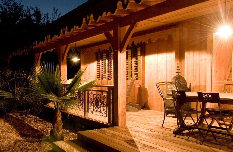 maison coloniale saint jean en 2019 maison bois. Black Bedroom Furniture Sets. Home Design Ideas