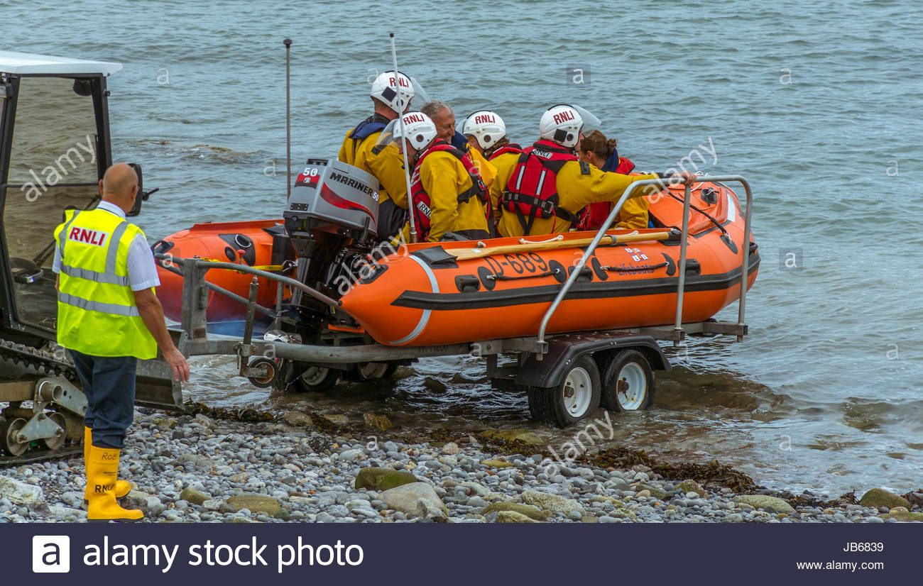 Download this stock image: Scenes from Moelfre Lifeboat day on Anglesey, taken on the 16th August 2014. - JB6839 from Alamy's library of millions of high resolution stock photos, illustrations and vectors.