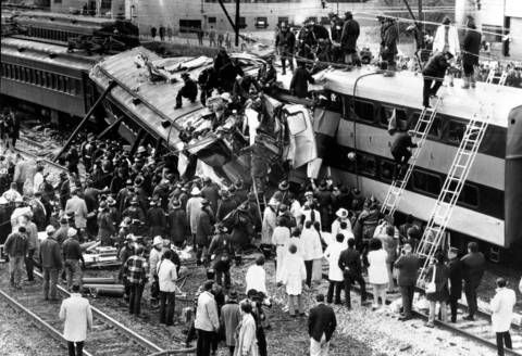 Illinois Central Rail Disaster At 27th Street Chicago Il 1972 Chicago History Chicago Illinois Chicago