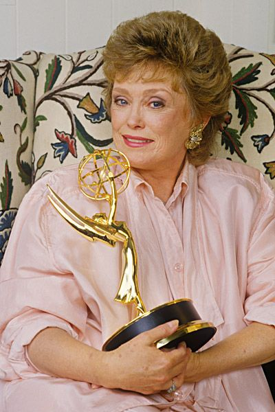 Rue McClanahan with her Emmy Award she received in 1987 for her role as Blanche Devereaux on The Golden Girls.