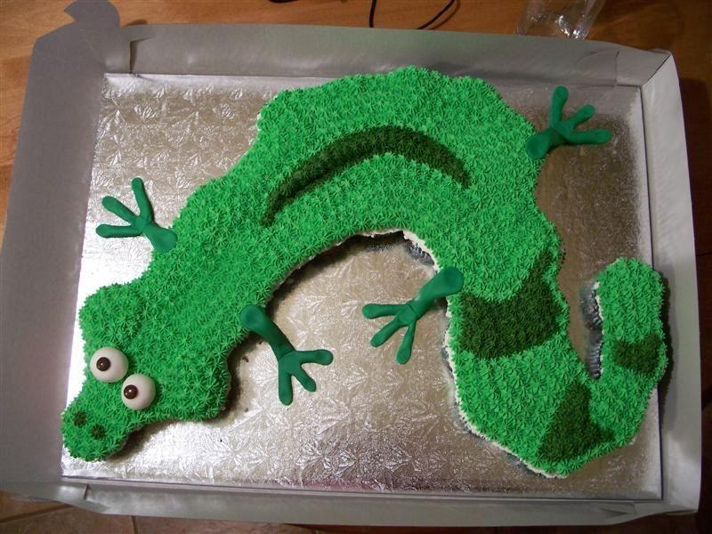 Lizard cake ideas lizard cupcake cake i got this idea off lizard cake ideas lizard cupcake cake i got this idea off someone else here on pronofoot35fo Choice Image