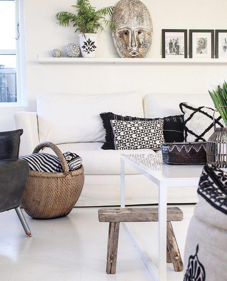 Black & white , some nature, a little green and mixed pattern - that's exactly how I like it✔️ #interior #interiør #decorsity #bohemianstyle #boho #homedetails #myhome #interior123 #detydre #lovecominghome #bohemian #interior4all #interior_and_living #dream_interiors #homeadore #boligliv #interiørmagasinet #inspire_me_home_decor #interior9508 #wohnen #vakreverden #nordikspace #dagensinterior #boligmagasinet #iboligendk #interior_delux #inspirasjonsguidennorge #interior_januar…