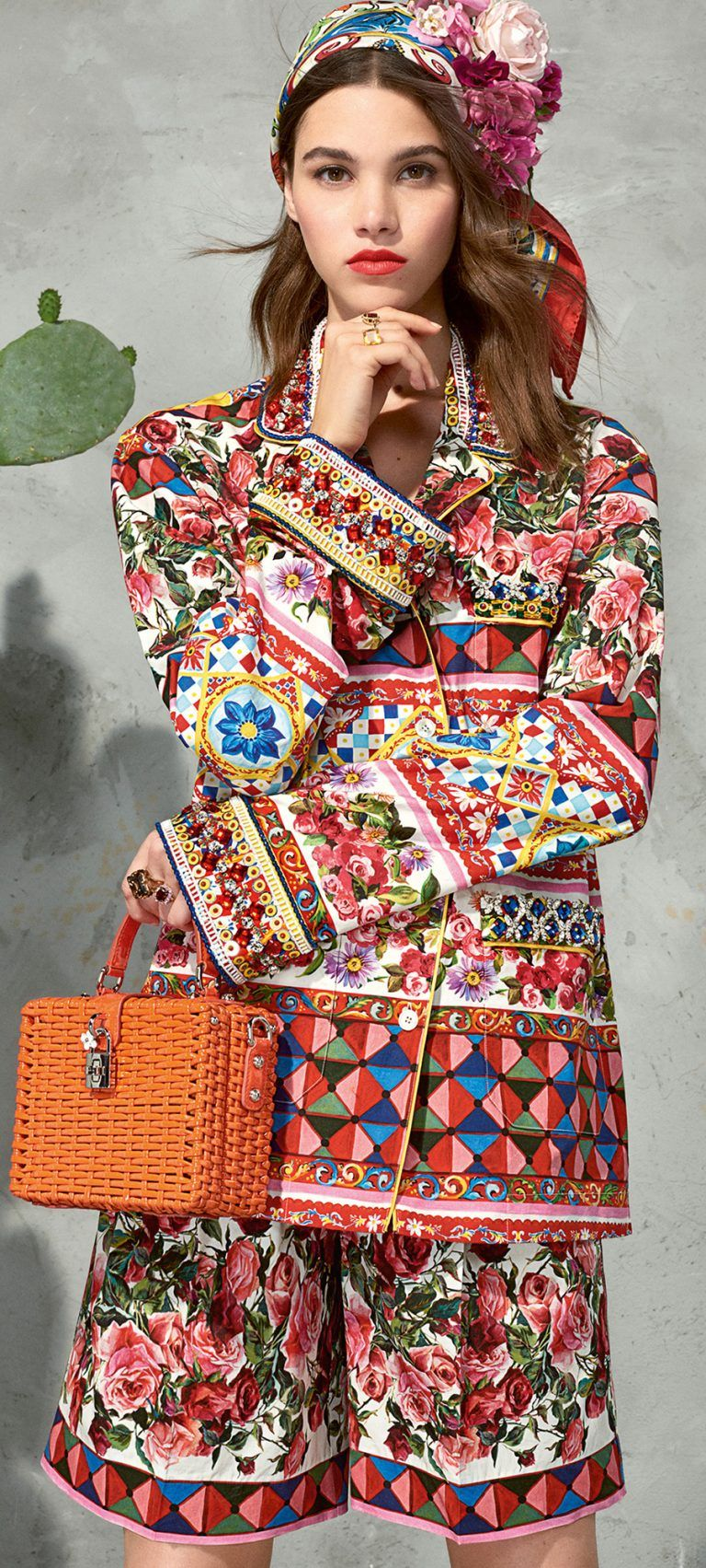 417a27a64f4 Dolce   Gabbana Spring Summer 2017 Collection Mambo