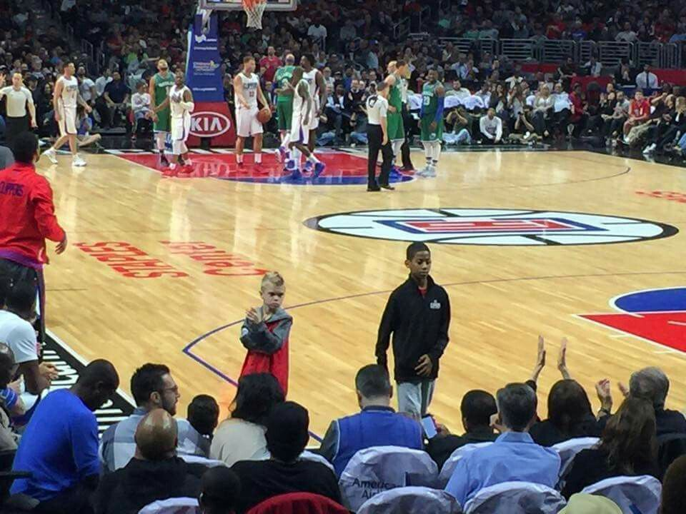 Cole Aldridge Jamal Crawford Kids On The Court Today Before The Dallas Game Cole S Son Has The Same Hair As H Dallas Game Los Angeles Clippers Favorite Team