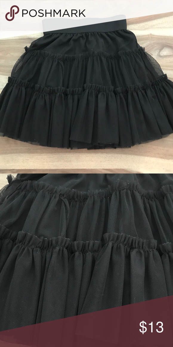 Layered tulle skirt Super cute tulle skirt. Great for holiday-size 7/8 Bottoms Skirts