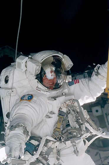 longest astronaut in space station - photo #29