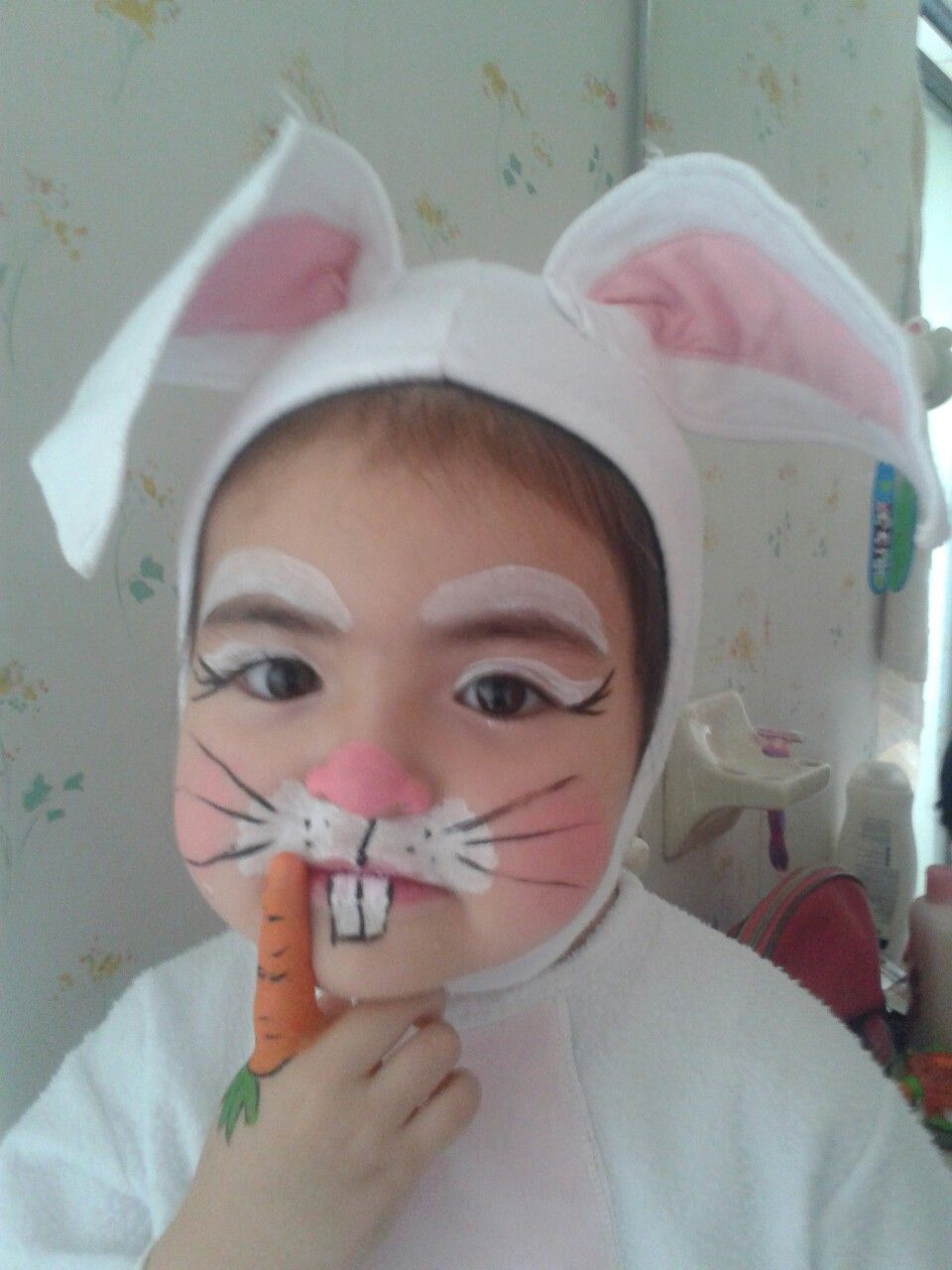 1ae5a1687 Facepaint bunny - conejito Maquillaje Disfraz, Disfraz Elsa, Maquillaje  Halloween Niños, Maquillaje Infantil