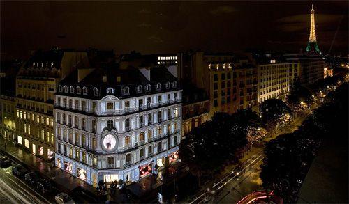 Avenue Montaigne Shopping In Paris Dior Boutique Avenue