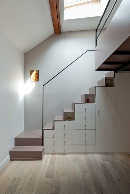 Tiroir, placard, niche sous escalier / Blanc taupe noir / Épuré - porte de placard sous escalier
