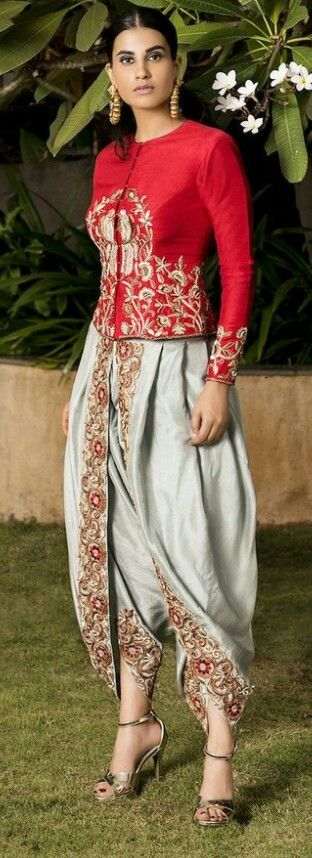 9d2ca3c60891 Indo western | Info western in 2019 | Indian designer outfits ...