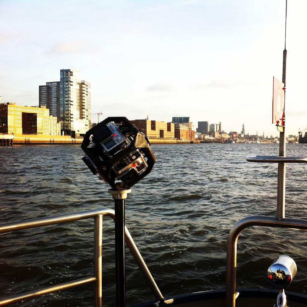 An awesome Virtual Reality pic! Heute im Hafen hatten wir natürlich wieder unsere 360-Kamera am Start! #allesimblick by real_tv_group check us out: http://bit.ly/1KyLetq