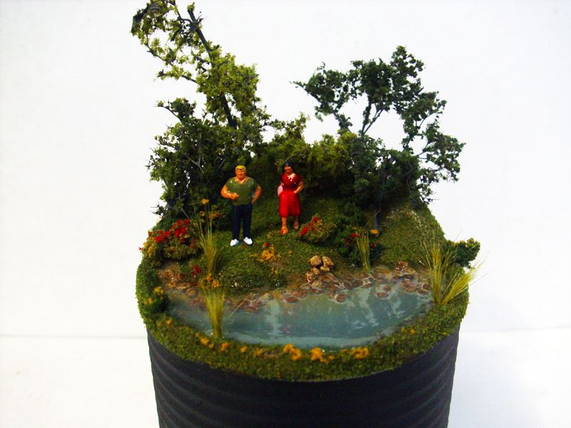 Ekki Mukk (Modelling clay, resin and scenery on a tin can)