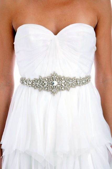 wedding belt. obsessed.