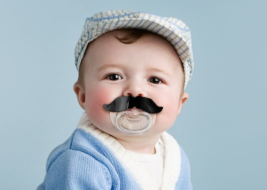 Keek your baby calm & cool  CHILL BABY MUSTACHE PACIFIER - Fred & friends