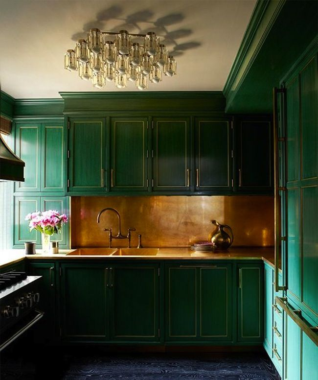 Greene And Greene Kitchen Cabinets: Inspiration: Emerald Green Kitchens
