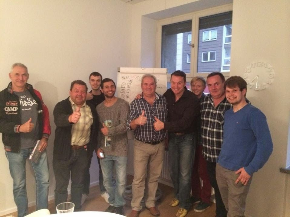 Team-Workshop in Berlin am 12.09.14 mit Michael Thomale. Es war ein toller Abend, wir haben viel Spaß gehabt und dabei spannendes Insider-Wissen bekommen!  Hier können Sie sich als unabhängiger Lizenz-Partner des einzigartigen Software-Konzerns, mit vielen unglaublichen Vorteilen registrieren: www.team.internet-trendz.com  Wir sind Bonofa!
