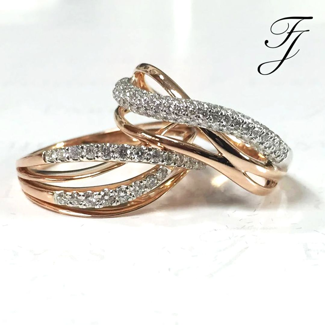 Tendencias Argollas De Bodas 2017 Bandas Entrelazadas Te Identificas Con Este Estilo Argollasdematrimoniocal Wedding Rings Rose Gold Ring Engagement Rings