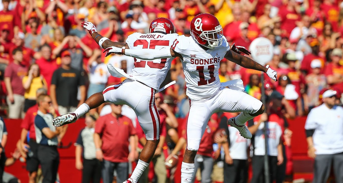 Oklahoma Football Photo Highlights versus Iowa State