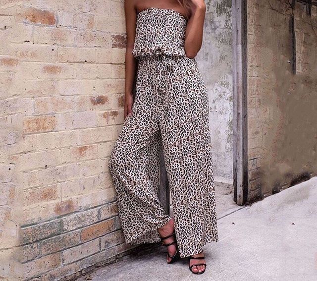 """The new """"MARIA"""" Maxi Jumpsuit is super cute and sexy ⚡️Make it yours now straight via the link in our bio 👆🏽 #SataraPlaysuit #SataraMoonlight  Only while stocks last!"""