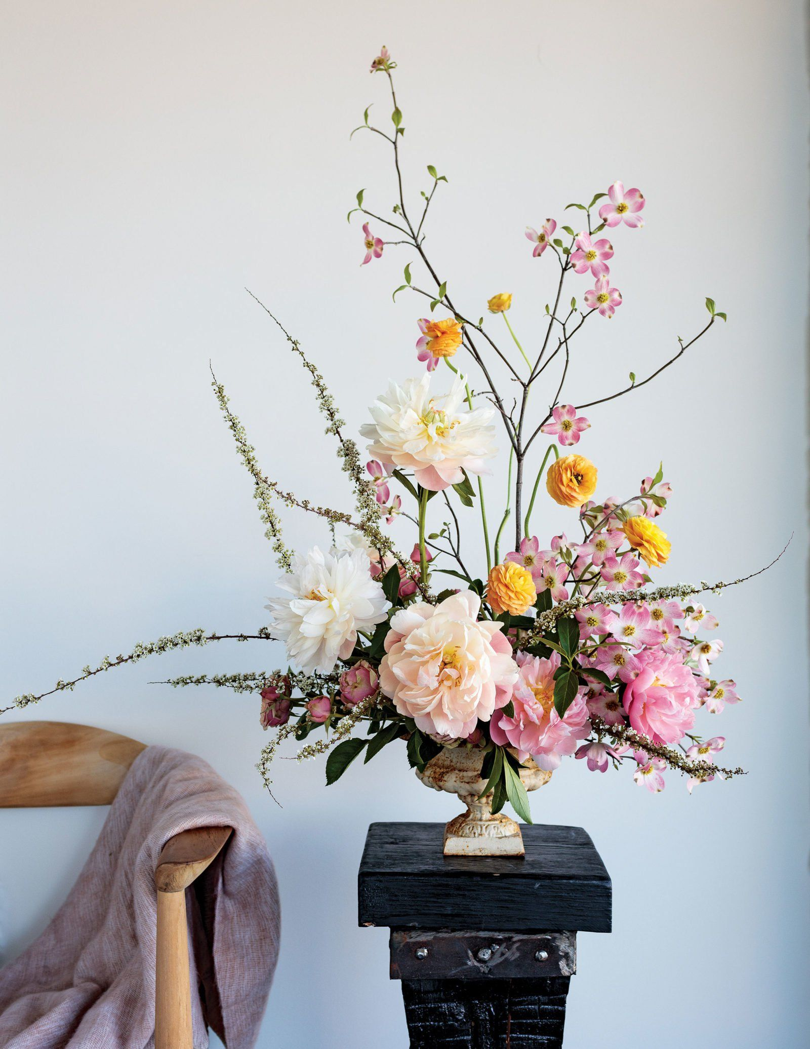 The Art Of The Floral Centerpiece A Closer Look At Contemporary