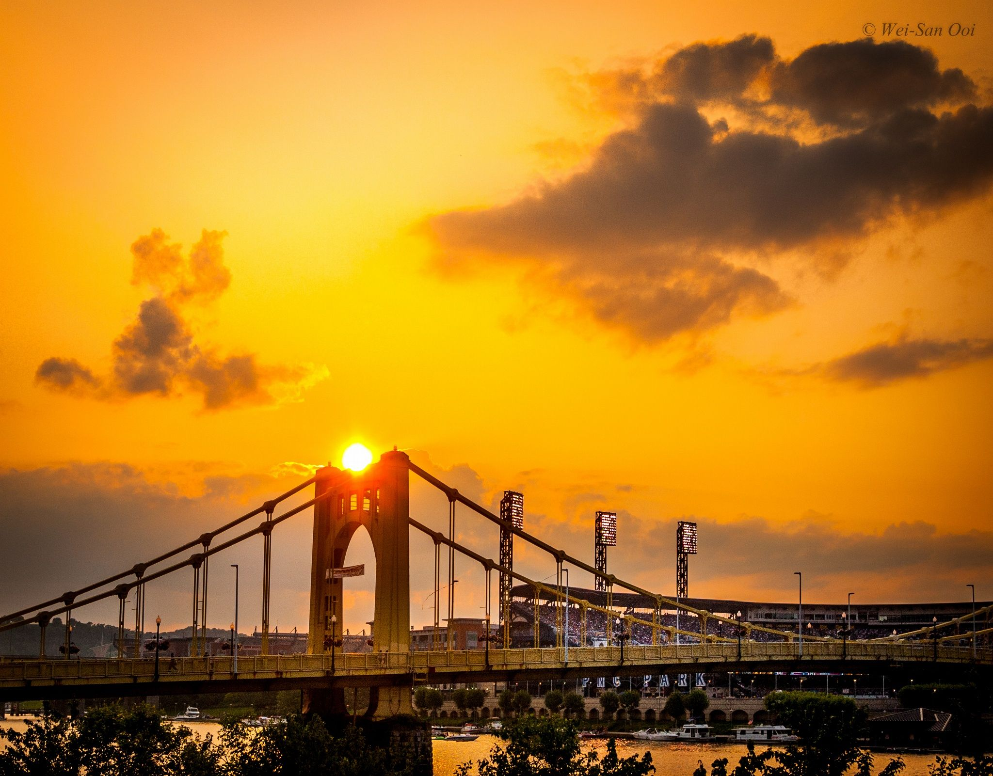Fotografia The Sun On The Bridge de Wei-San Ooi  na 500px