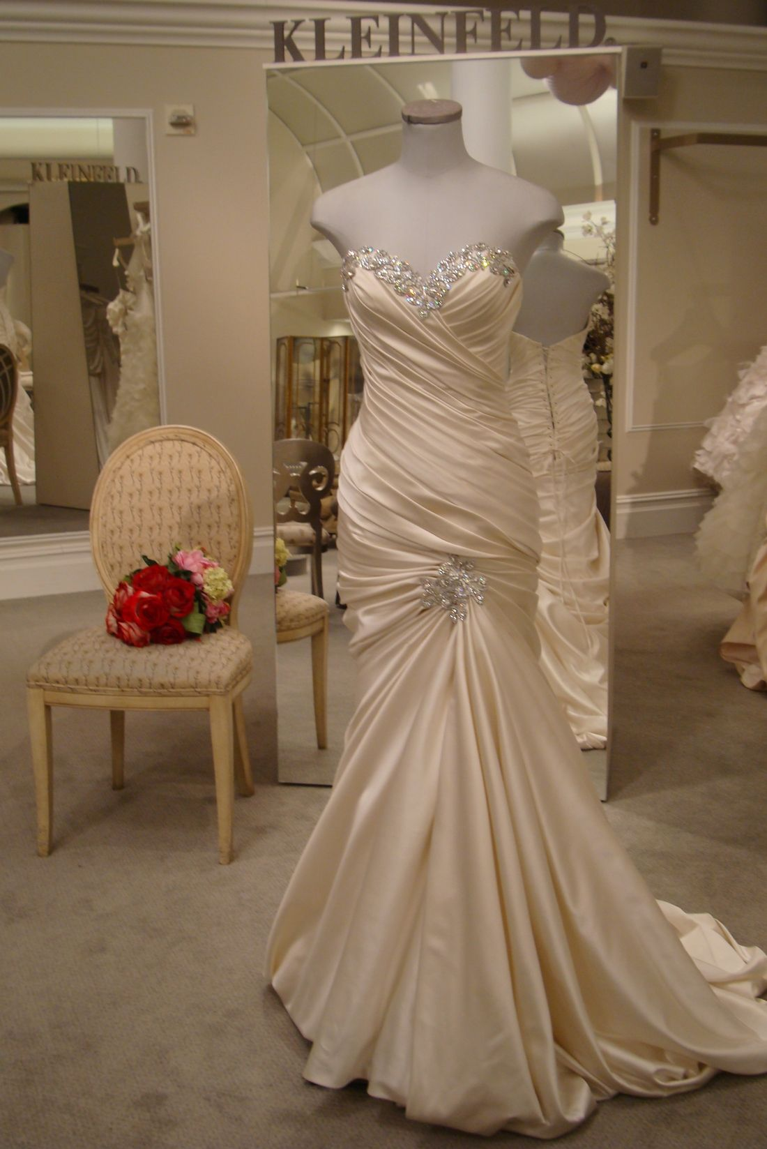 Pnina Tornai 32813966 Size 8 Wedding Dress | Wedding, Ruched and ...