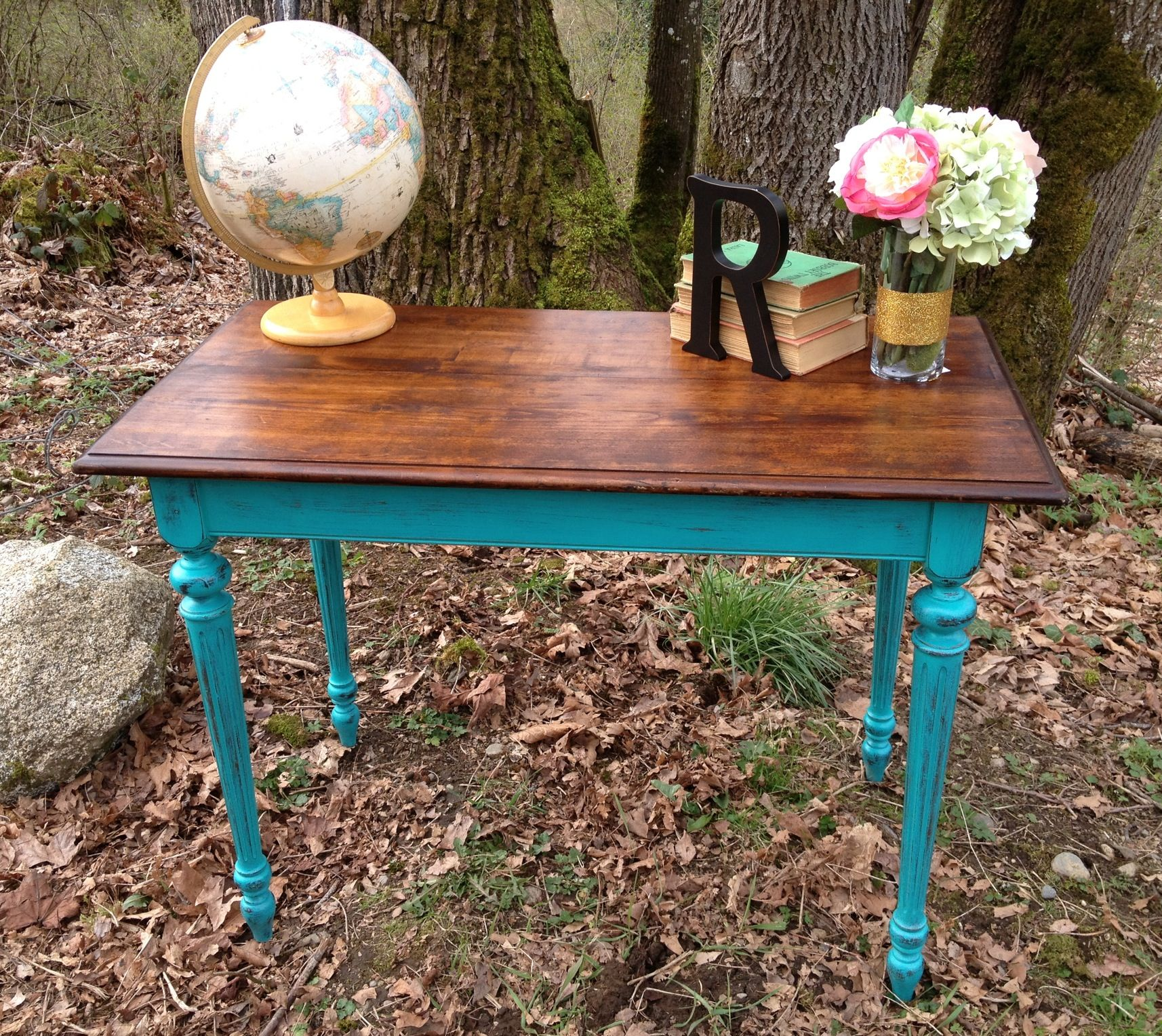Vintage Sofa Table Painted With Maison Blanche Paint In Colette Sold Www Facebook Com Urbancot Farmhouse Style Furniture Wallpaper Furniture Shabby Furniture