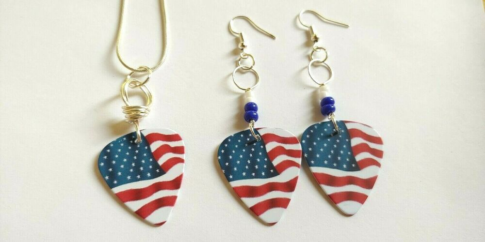 Guitar Pick Earring /& Necklace Set