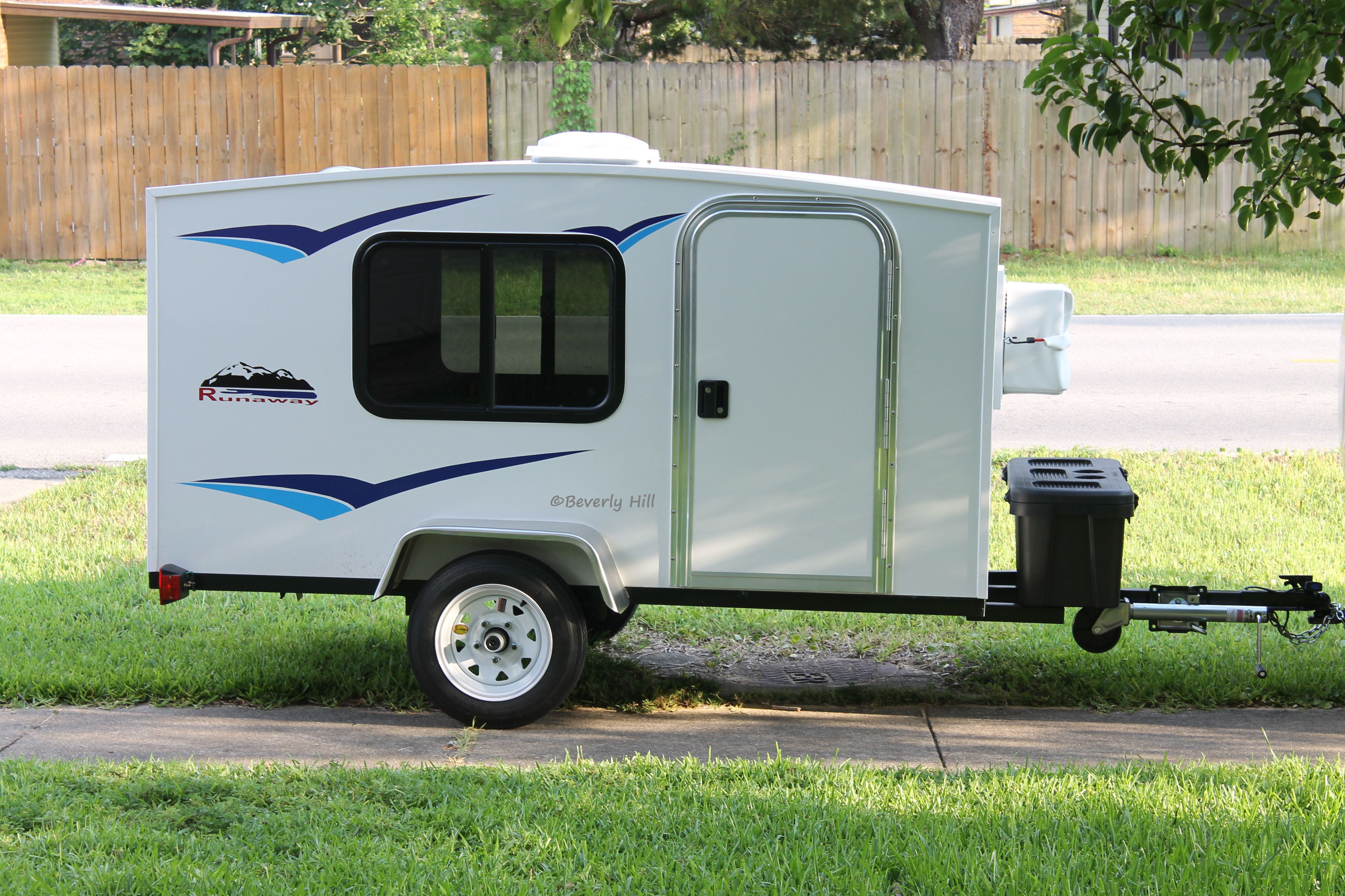 Runaway Trailers Google Search Teardrops Small Campers