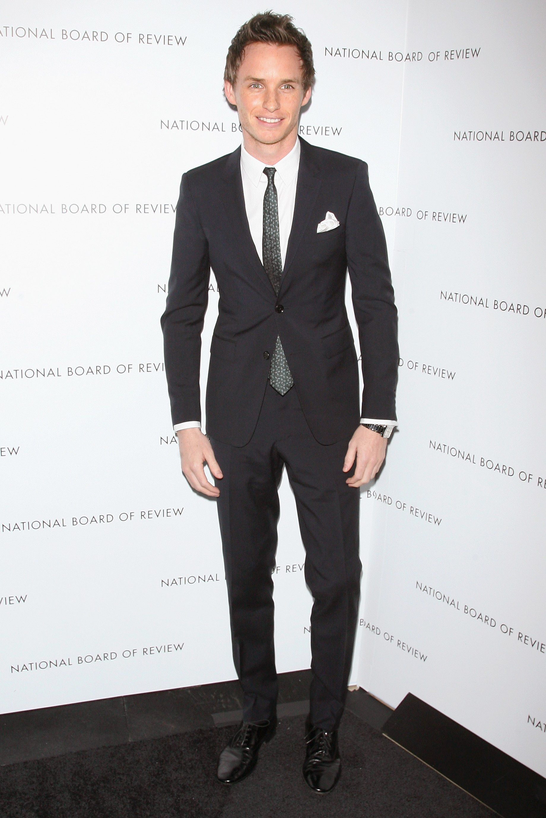 28 Times Eddie Redmayne Inspired Us To Wear a Suit   style chinos ... 50bf7f1db2