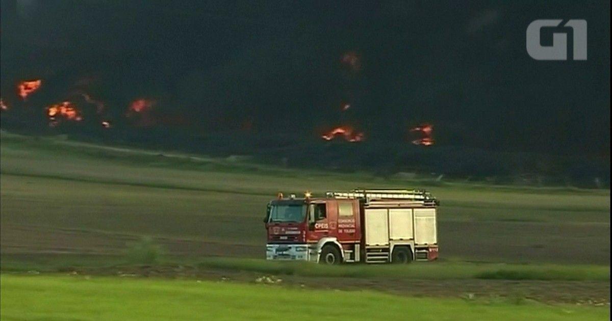 Incêndio em lixão de pneus na Espanha gera nuvem tóxica