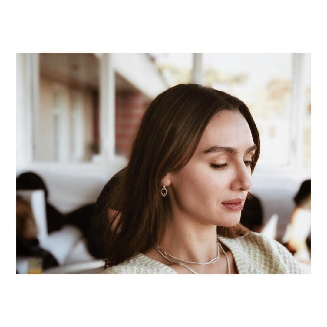 Pin By Saradahan On Birce Akalay Black And White Love Hair Beauty Beauty