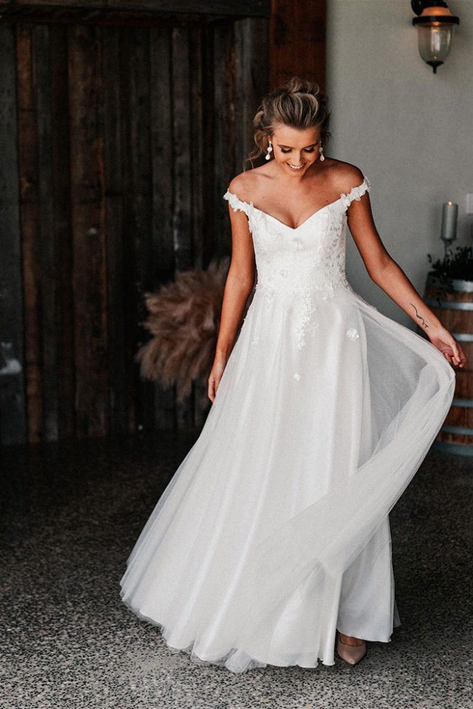 Wedding Dresses in 2020 (With images) Wedding dresses
