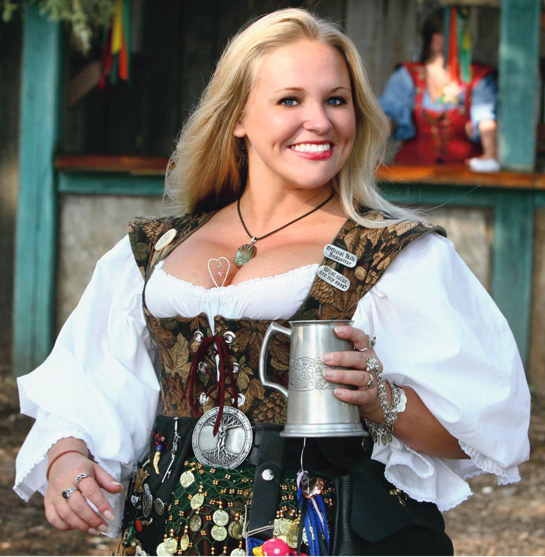 Beer Wench at the Festival Renaissance Festival Costumes, Renaissance Fair,  Renaissance Fashion, Beer