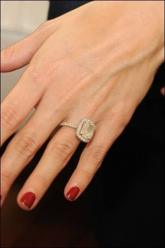 Joanna Garcia S Engagement Ring From Nick Swisher Engagement