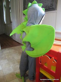 Sycamore Corner Crafts: Toddler Dragon or Dinosaur Costume