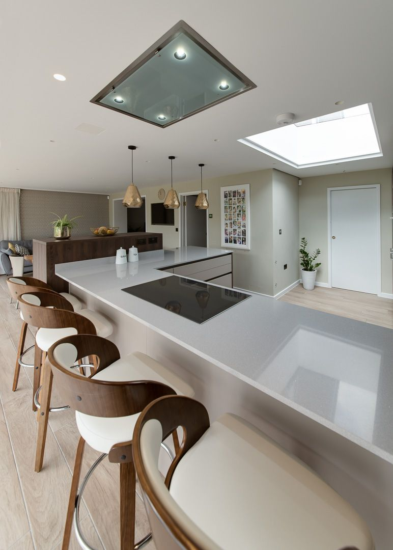 Modern Kitchen With Warm Natural Finshes And Wood Grains