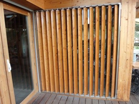 volet persienne verticale mobile en bois pour baie vitr e archi pinterest fensterl den. Black Bedroom Furniture Sets. Home Design Ideas