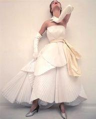 Luscious whites | www.myLusciousLife.com - Jean Patchett, 1950s.