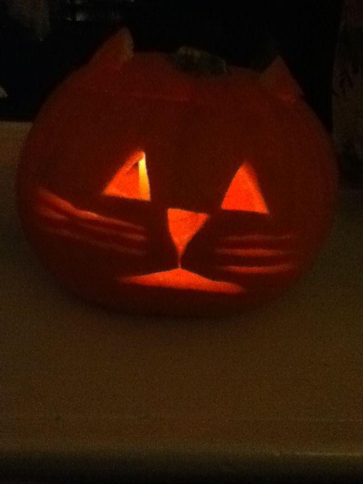Cat pumpkin carving. Jacko-lantern