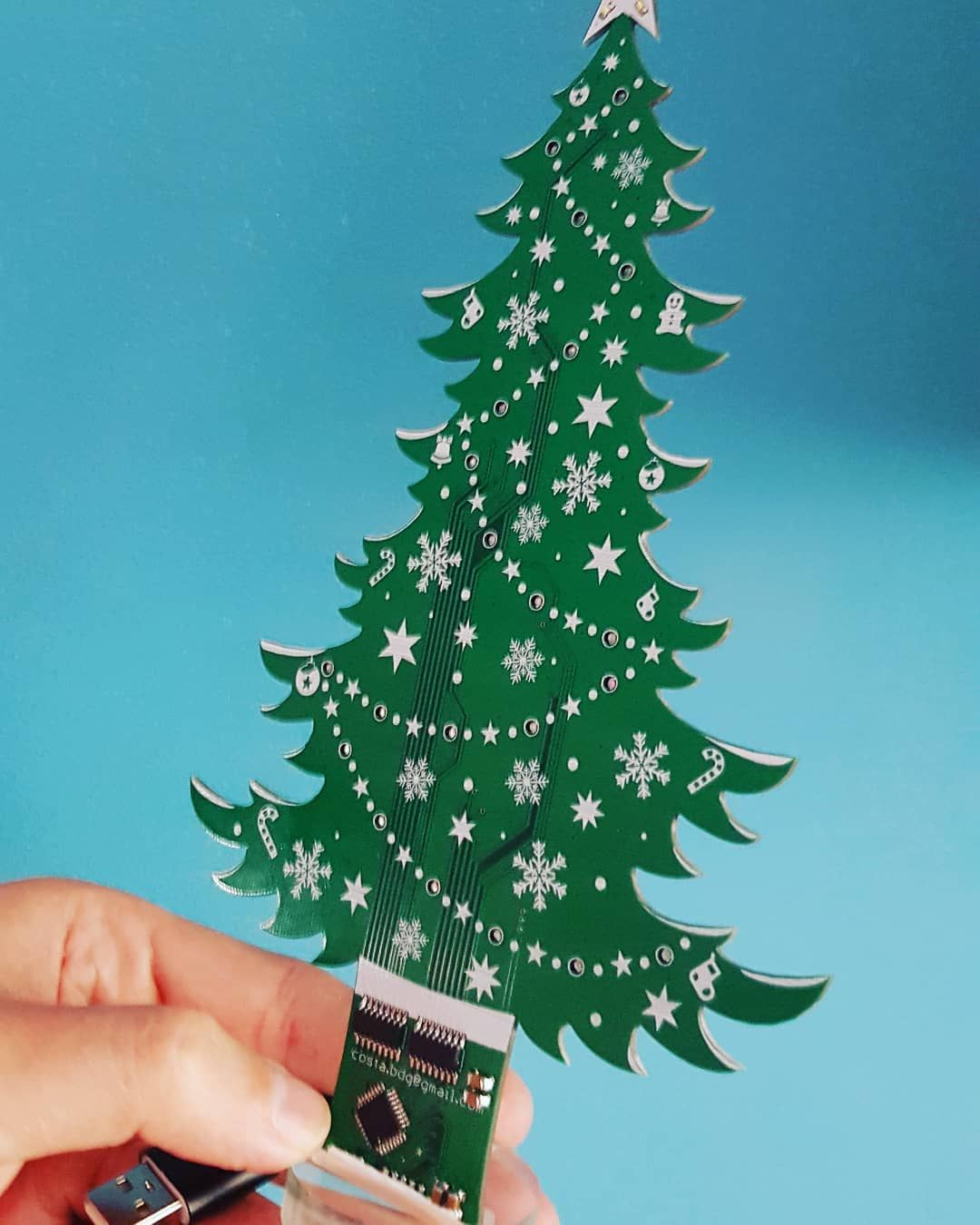Avr Christmas Tree Led Electronicsprojects Electronic Avrproject Engineering L Knitting Patterns Free Beginner Knitting Projects Knitting For Beginners