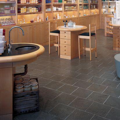 Origins (Rockwood Commons), Cincinnati, OH Natural Slate in Vermont Green 12 x 12 field tile. Tile Contractor: Inviromentalists