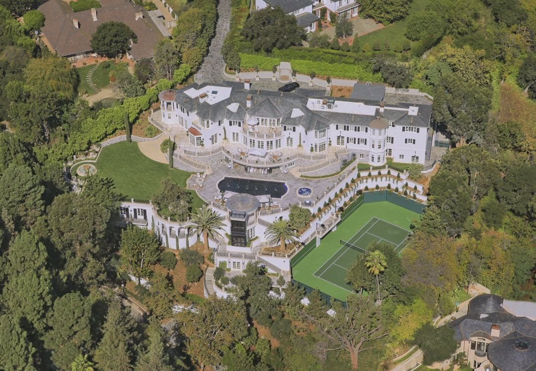 The Old Beverly Hillbillies Mansion The Kirkeby Mansion From The Beverly Hillbillies Mansions American Mansions Celebrity Houses