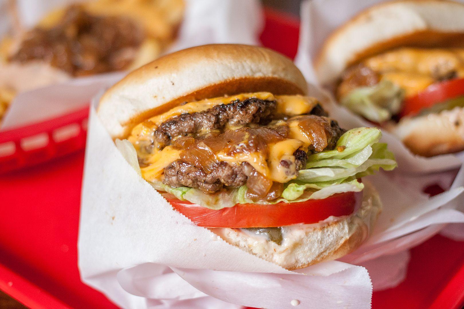 Blue apron halal - The 25 Best Ideas About Halal Burgers On Pinterest United Arab Emirates Halal Recipes And Dubai Travel